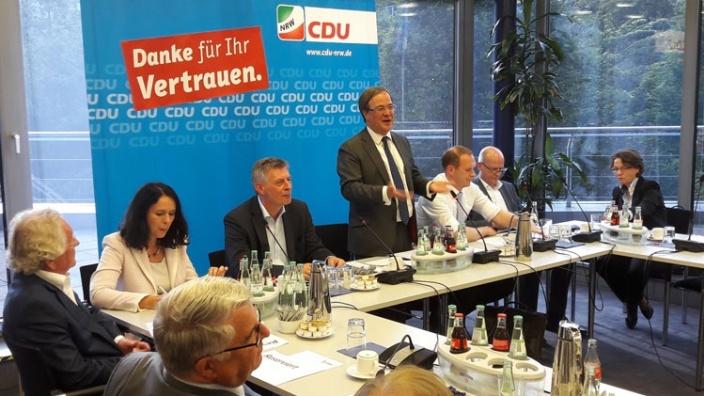 CDU und FDP starten Gespräche zur Bildung einer NRW-Regierungskoalition
