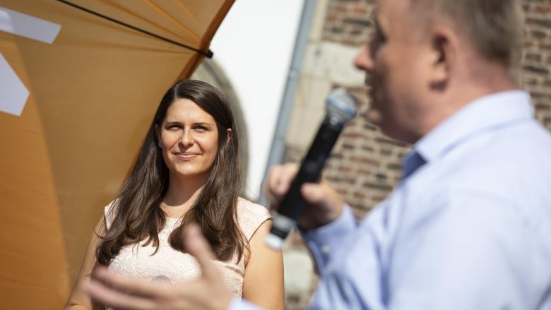 Natalie Goldkamp und Bundestagsabgeordneter Hermann Gröhe
