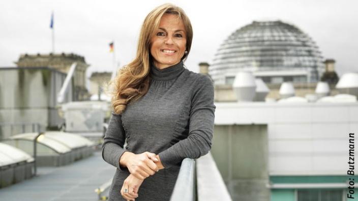 Armin Laschet gratuliert Michaela Noll zur Wahl zur Vizepräsidentin des Deutschen Bundestages
